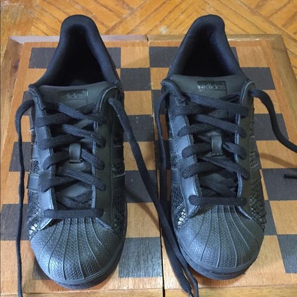 Le Adidas Superstar Donne Poshmark Shelltoe Nero
